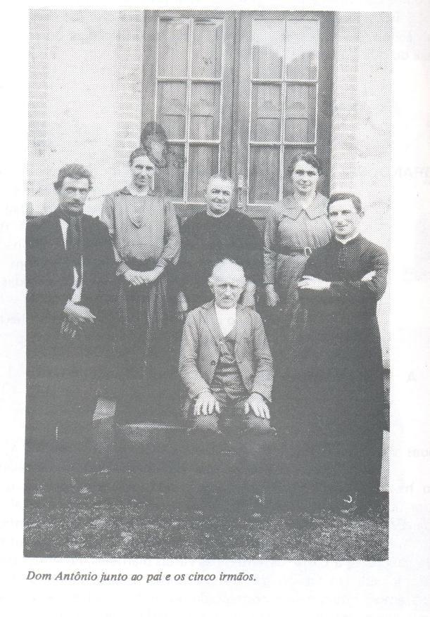 Dom Antônio Zattera com sua família